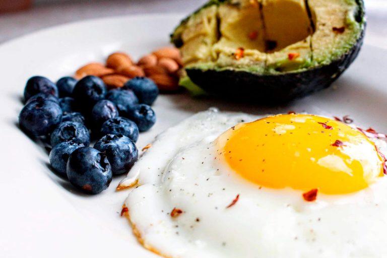 ¿Sigues una dieta cetogénica? No cometas estos 7 errores típicos【en 2021】